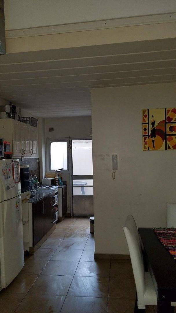 Hermoso duplex de 2 amb con posibilidad de una habitacion mas. Edificio con piscina