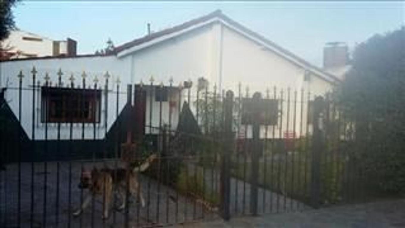 CHALET 4 AMB CON GARAGE DEPENDENCIA QUINCHO PARRILLA