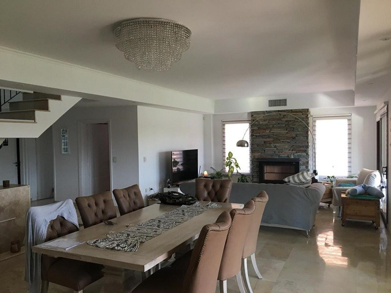 Casa - 395 m² | 3 dormitorios | A Estrenar