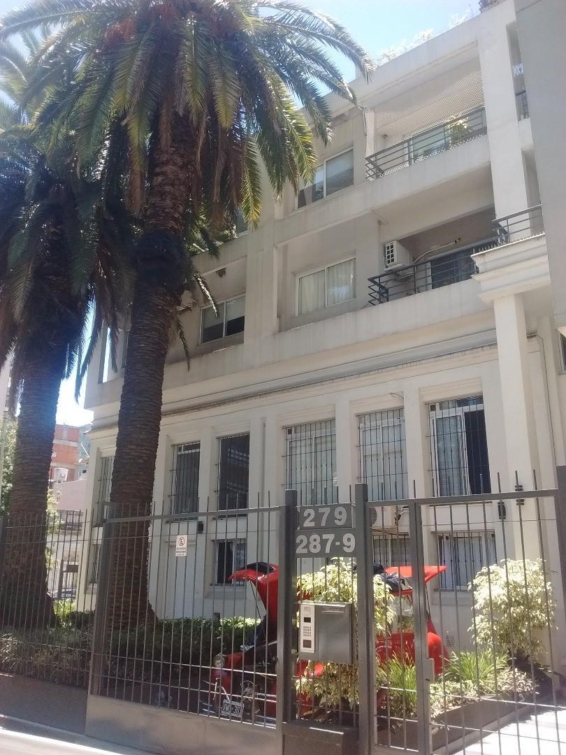 1 y 1/2 ambiente divisible 40 m2 con balcon edificio  con Pileta