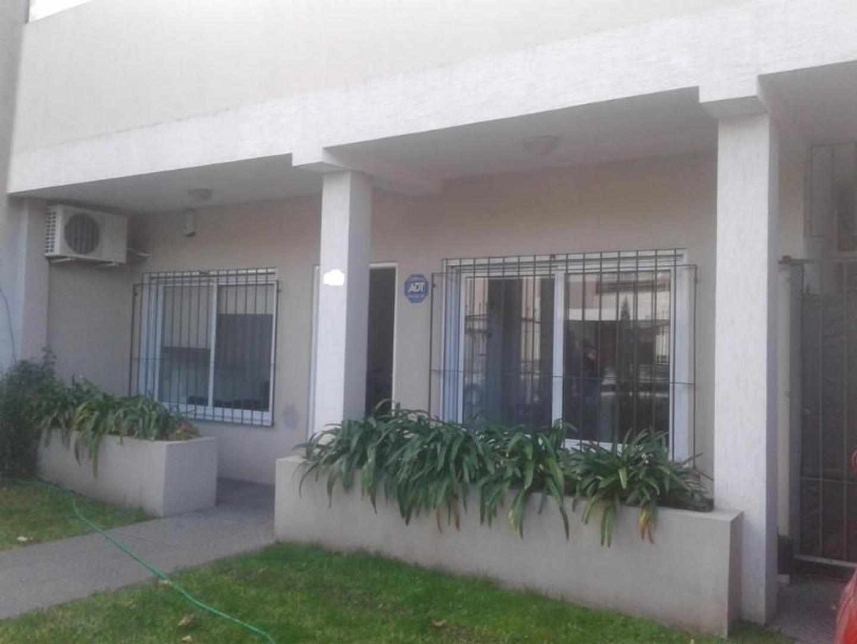 Beruti 200 Ramos Mejia - Casa en ALQUILER sobre lote de 10 x 50