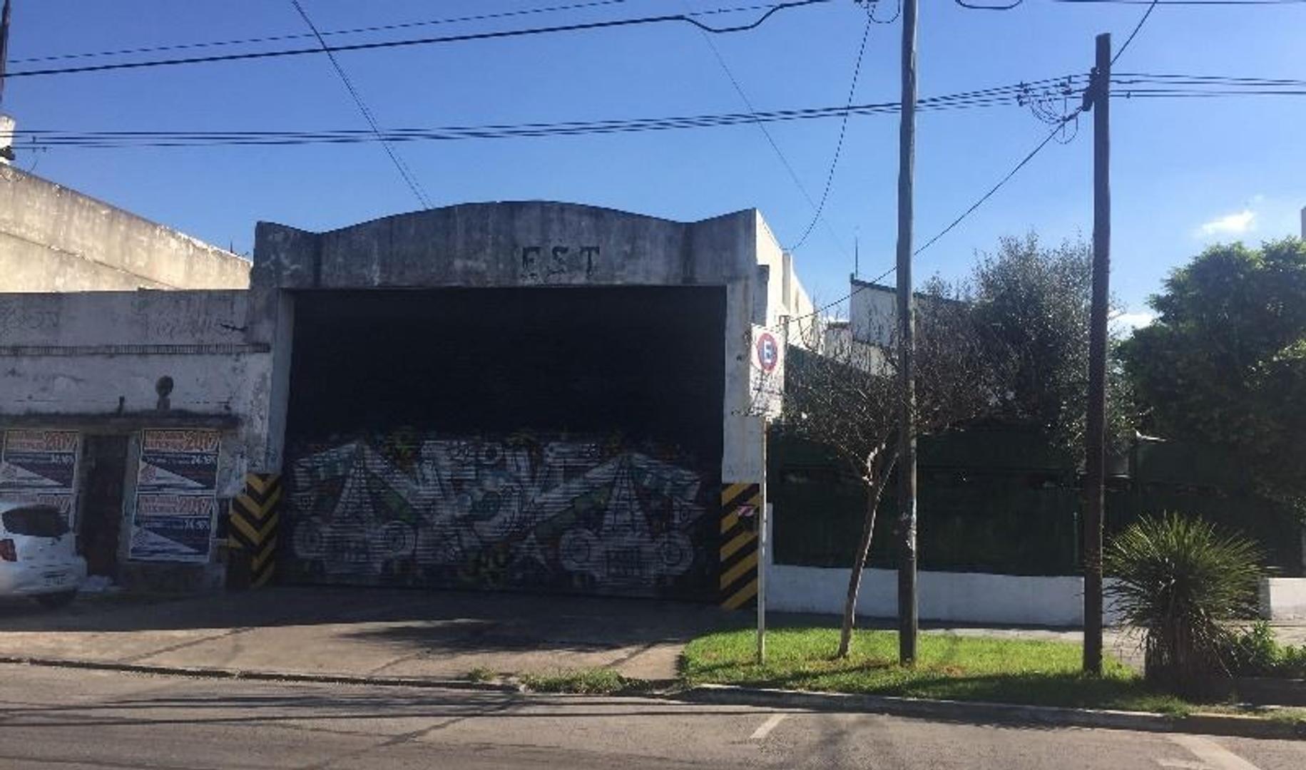 EXCEPCIONAL GALPÓN 275 M2 EN VENTA - S/ AV. PERÓN - SAN JUSTO CENTRO