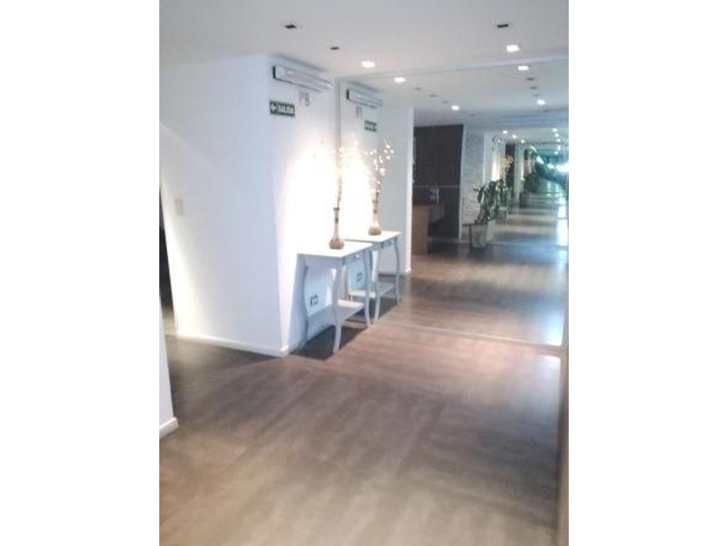 Oficina 25 m2 Malabia y Av. Corrientes. Alquiler $ 9.000, incluye expensas, ABL y AySA