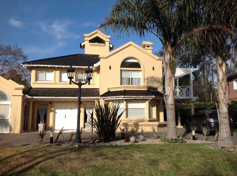 Casa  en Venta ubicado en Campos de Alvarez, Zona Oeste - OES0611_LP90562_2