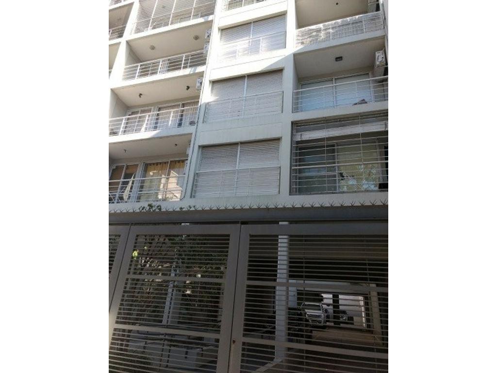 AMBIENTE DIVISIBLE - 43m² - CON COCHERA Y BAULERA - Hospital Italiano