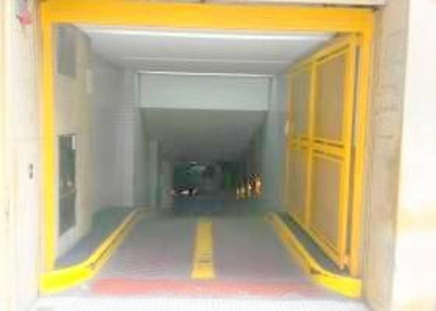 EXCELENTE COCHERA EN 1° SUBSUELO POR RAMPA, TAMBIÉN se accede desde EDIFICIO GALERIA DEL SOL