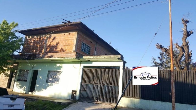 Turin esquina Gaboto, San Alberto, Isidro Casanova. Propiedad de dos plantas.!!