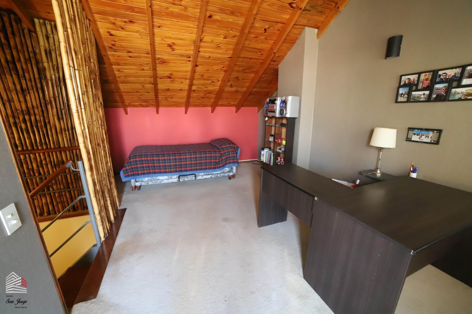 Casa en Belgrano R con 4 habitaciones