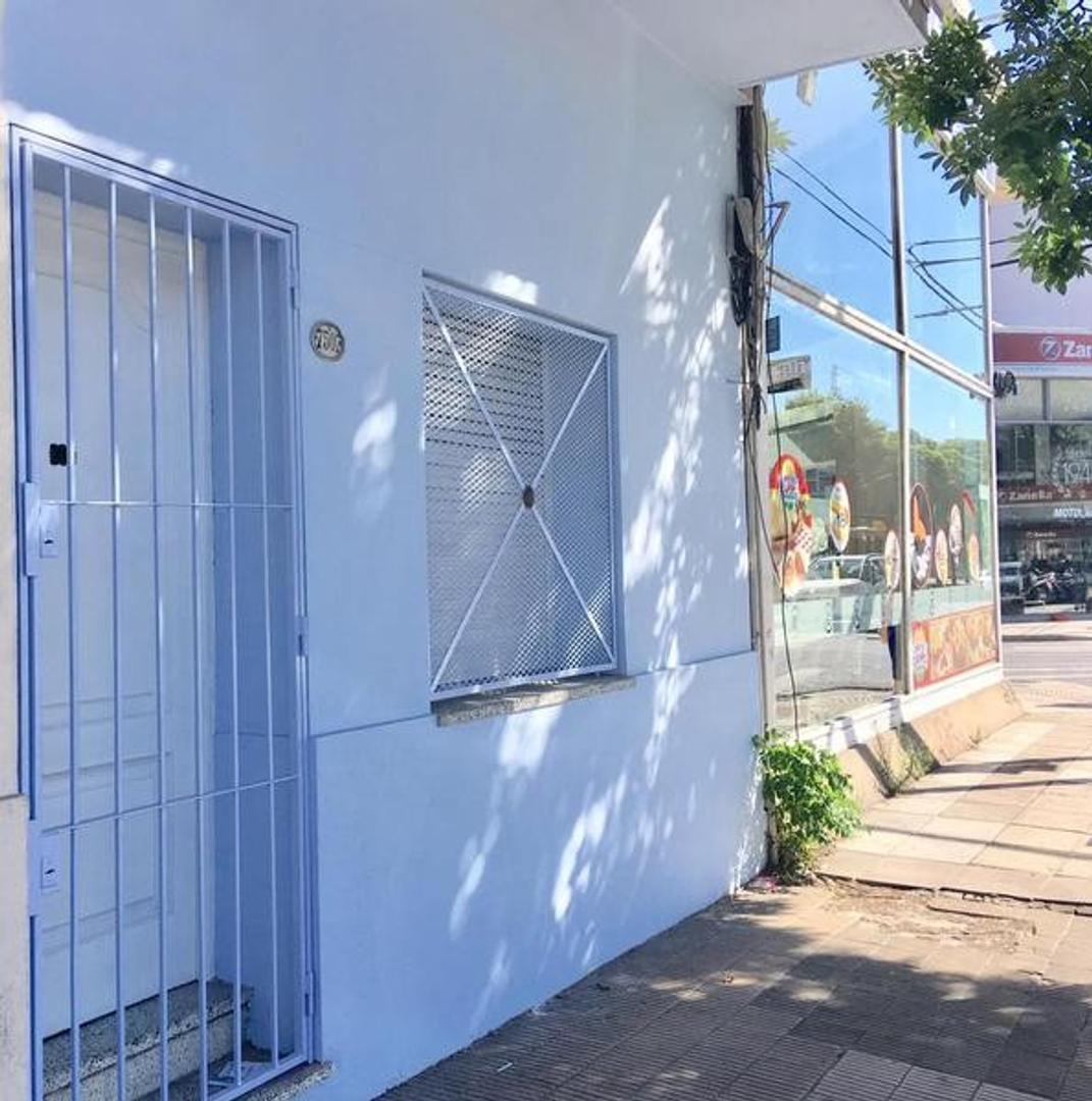 Casa en Alquiler en Velez Sarsfield - 2 ambientes