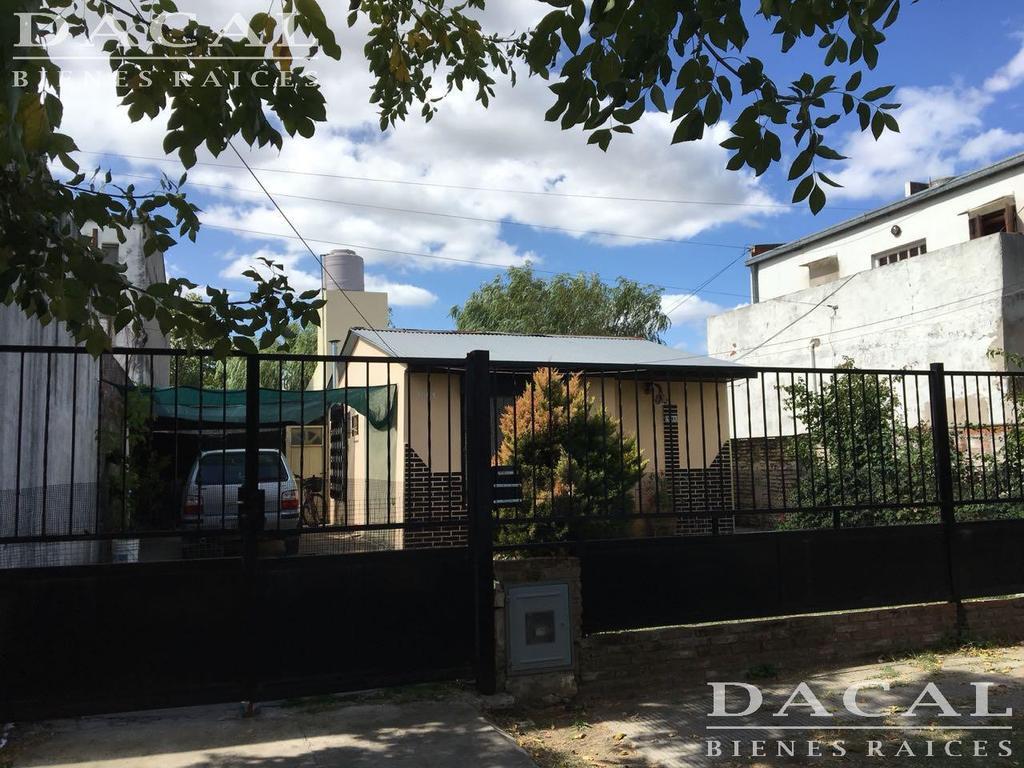 Casa en venta en Manuel B Gonnet calle 3 e/ 515 y 516 Dacal Bienes Raices