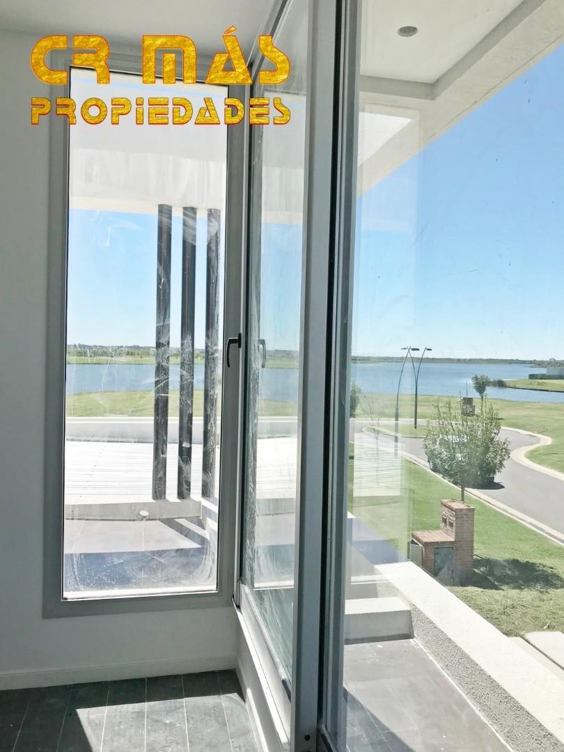 Casa VENTA Excelente vista al lago Central Muelles - Puertos del Lago - Barrio Araucarias