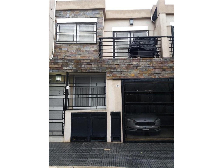 Hermoso Ph de 3amb en duplex con patio y balcon. Entrada independiente