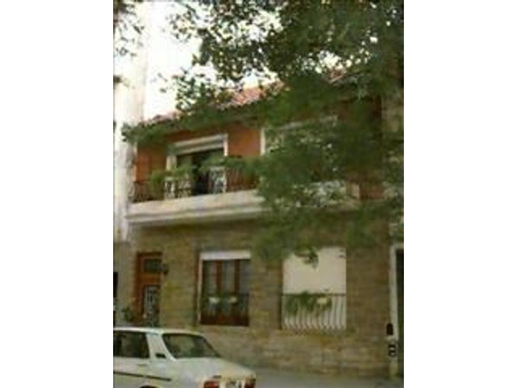 Casa en venta en bogota 305 caballito buscainmueble for Casa de azulejos en capital federal