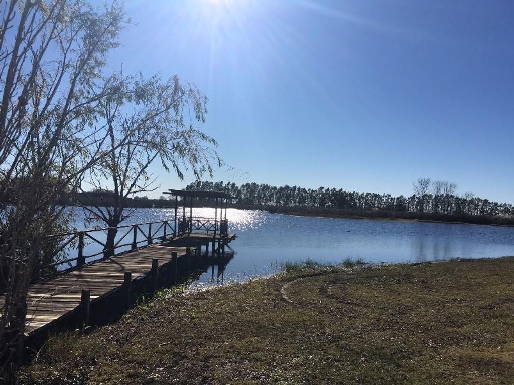 Importante propiedad con vista el lago