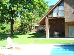 Casa en Alquiler  Los Lagartos Cc. IMPECABLE!! Gran Parque 1300 m² 4 Dormit Pileta