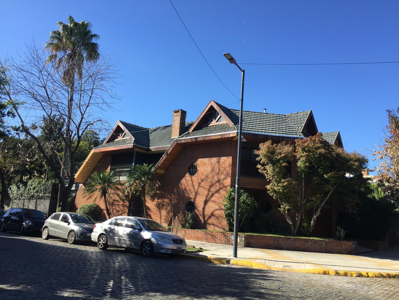 Casa en Venta en Belgrano R - 10 ambientes