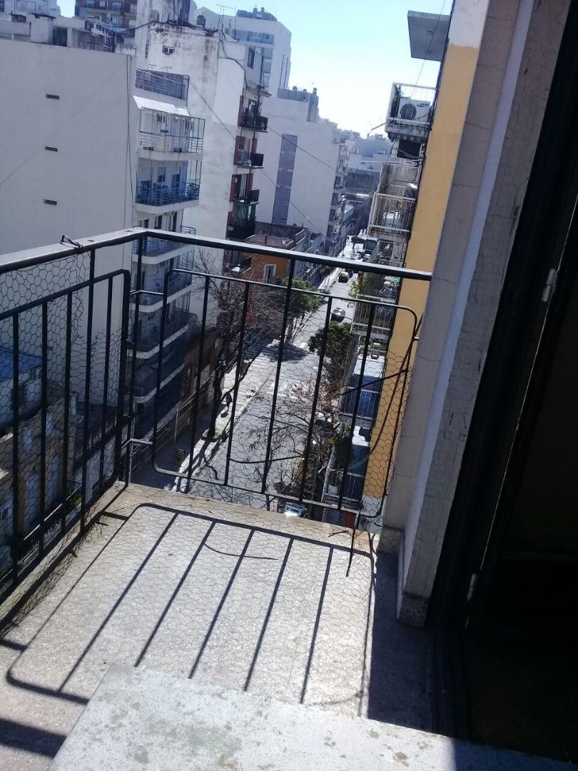 departamento en venta  de 3 ambientes al frente con balcón cerca de Plaza Almagro
