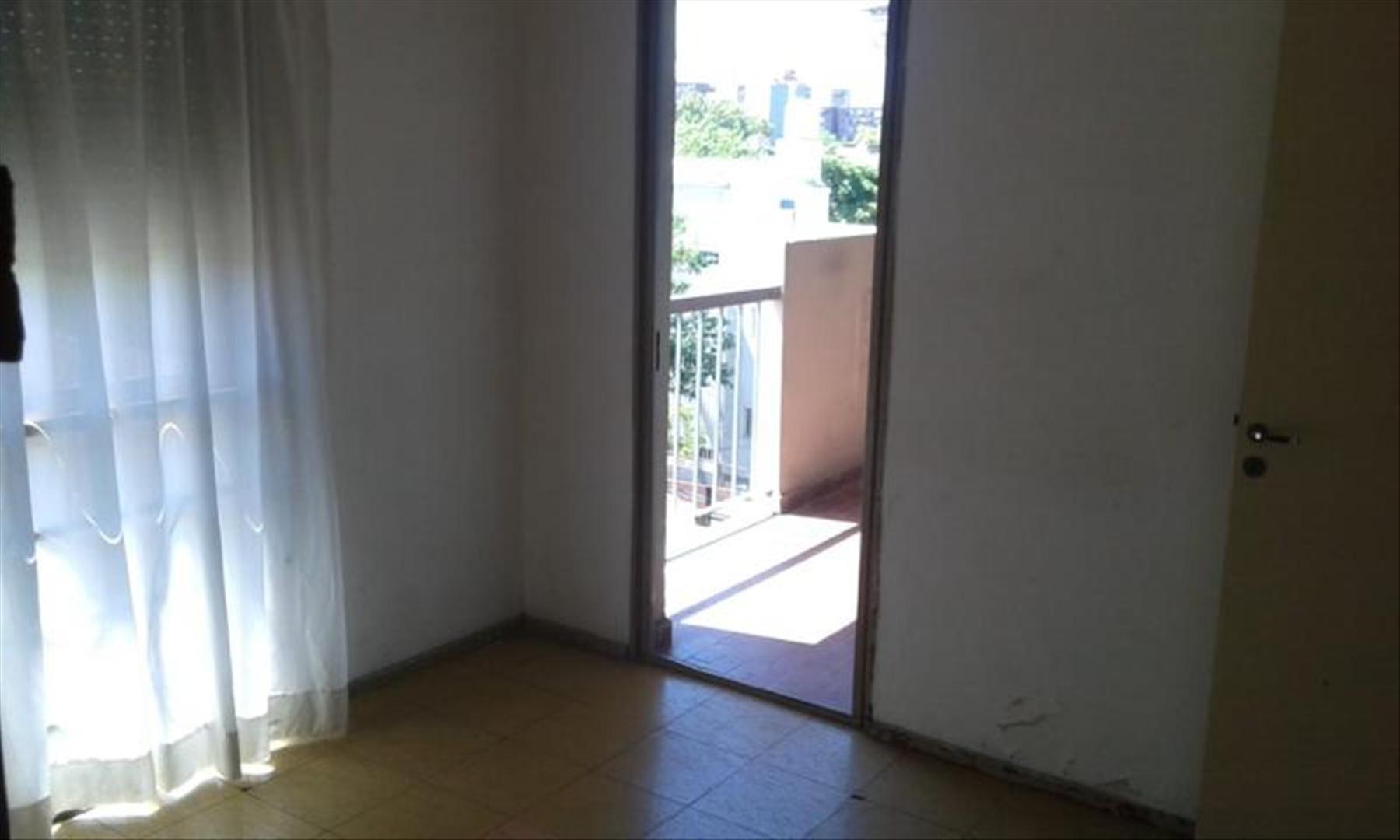 2 Ambientes con balcon