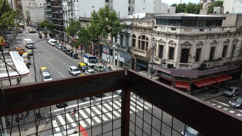 Al frente con balcón, cómodo