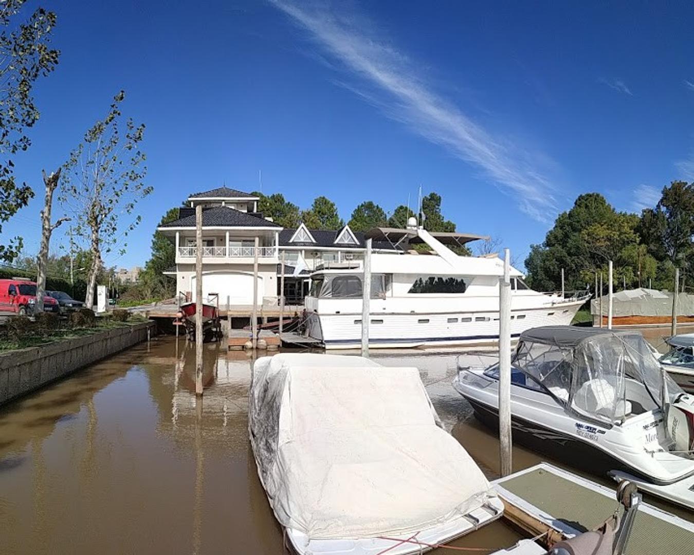 Casa en Venta en Boat Center