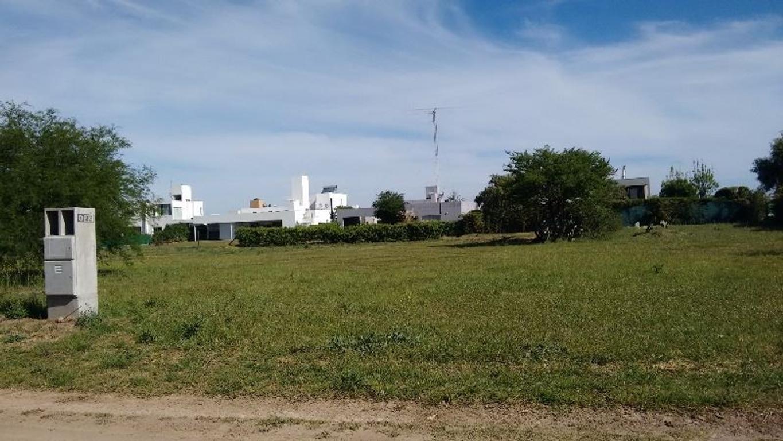 VILLA ALLENDE - COUNTRY LA MORADA- AVDA PADRE LUCHESI
