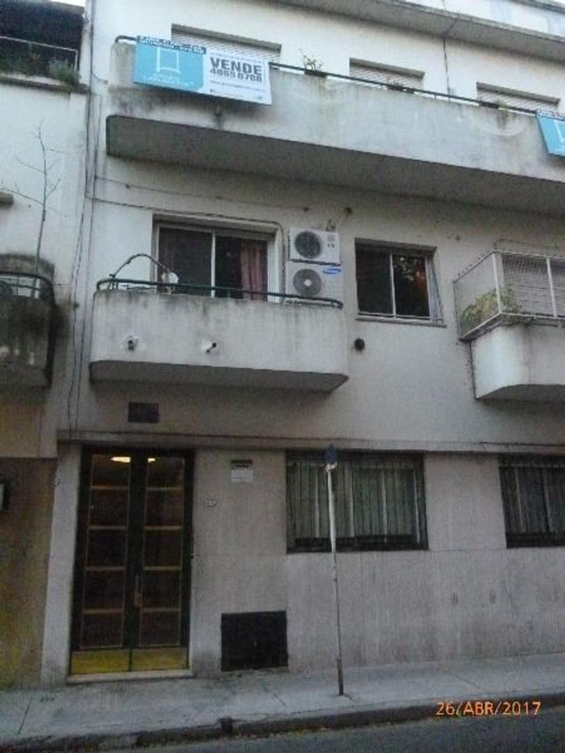 Excelente departamento tipo casa 4 ambientes con patio a nuevo en la mejor cuadra de Barracas