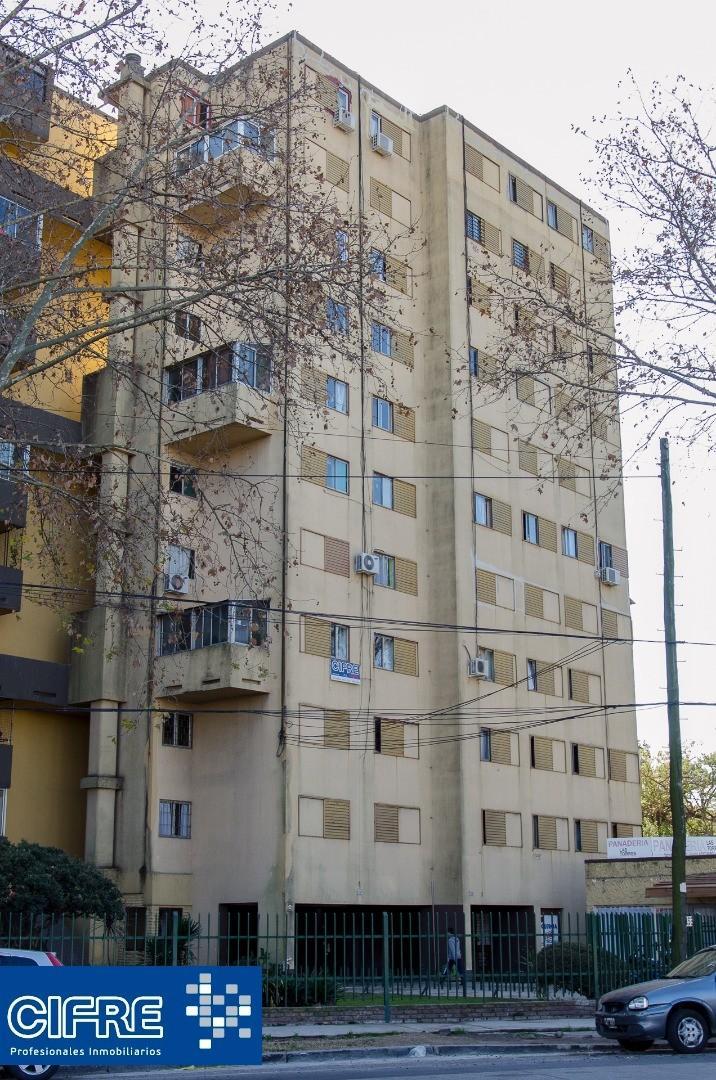 Departamento 4 ambientes luminoso con balcon (Suc. V. Pueyrredon 4574-4444)