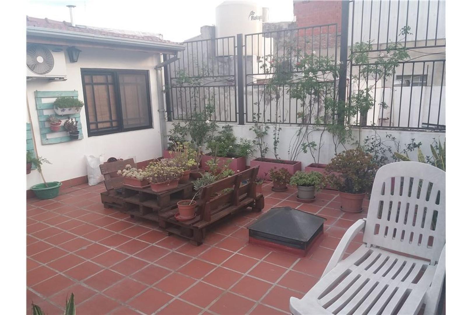 PH en venta. 2 amb con patio y terraza ACTUALIZADA
