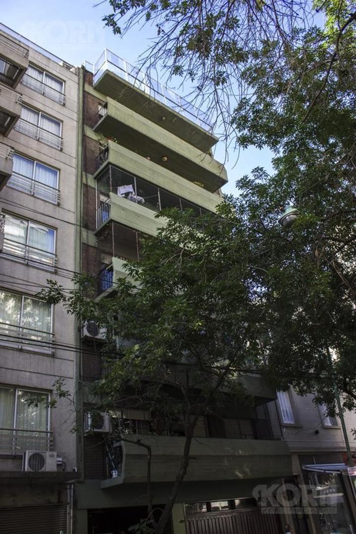 VENTA PISO DE 4 AMBIENTES CON DEPENDENCIA DE SERVICIO, COCHERA Y BAULERA EN PALERMO