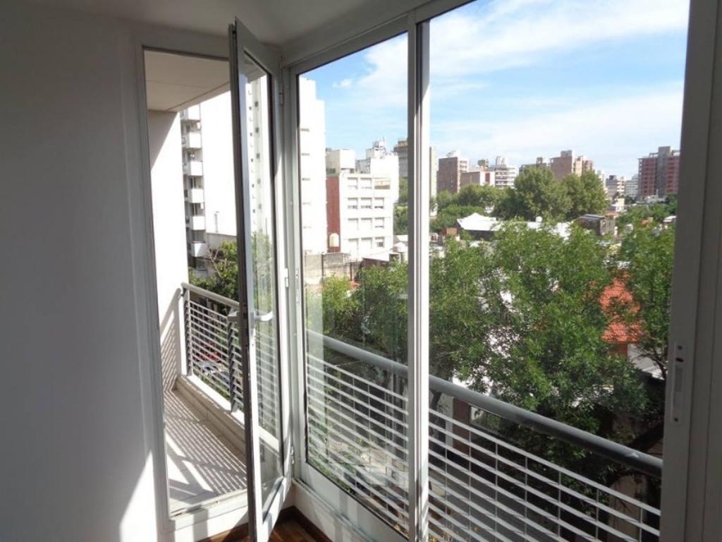 Muy lindo departamento de un dormitorio con Balcon