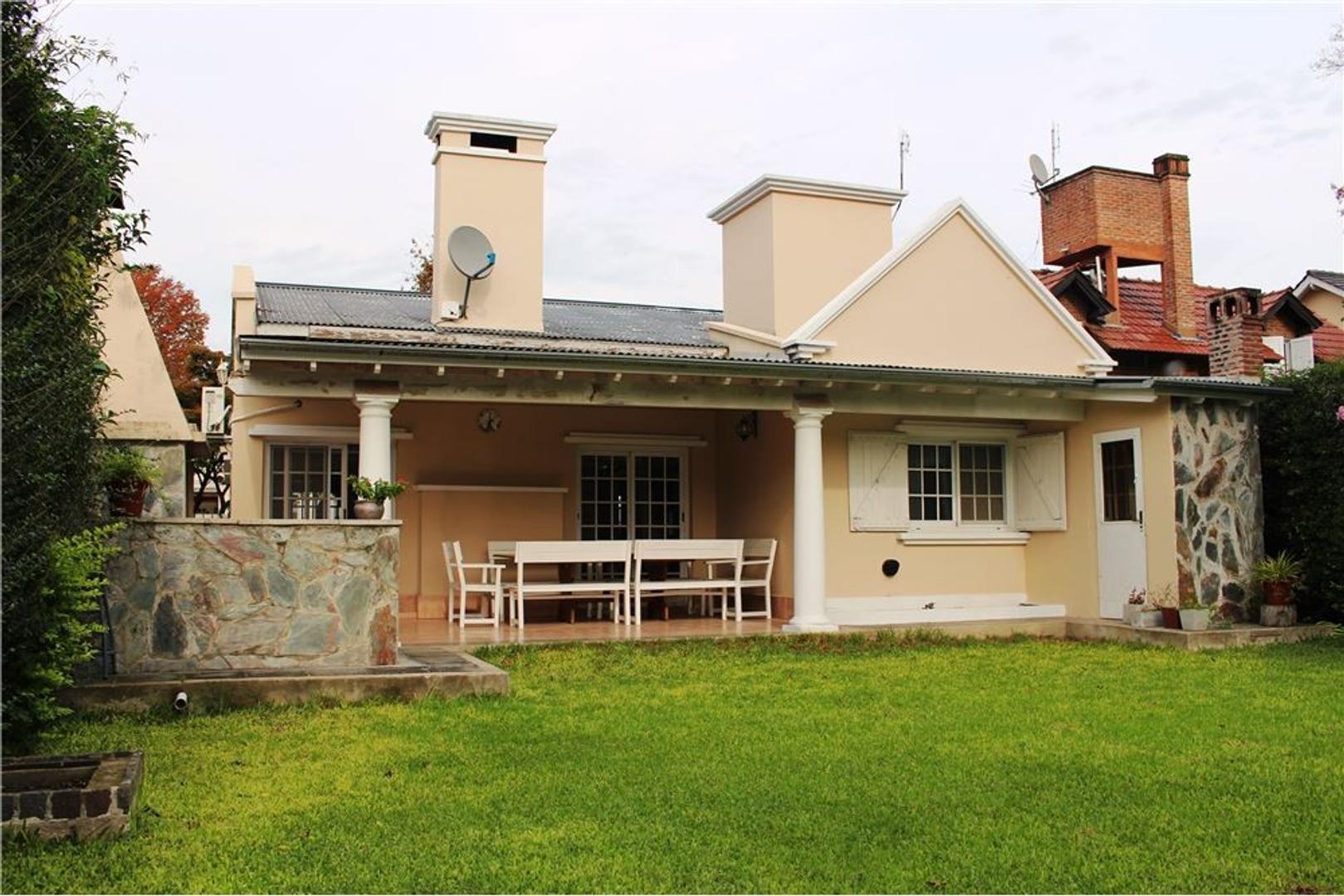 Casa apta crédito 4amb Barrio Los Olmos Benavidez