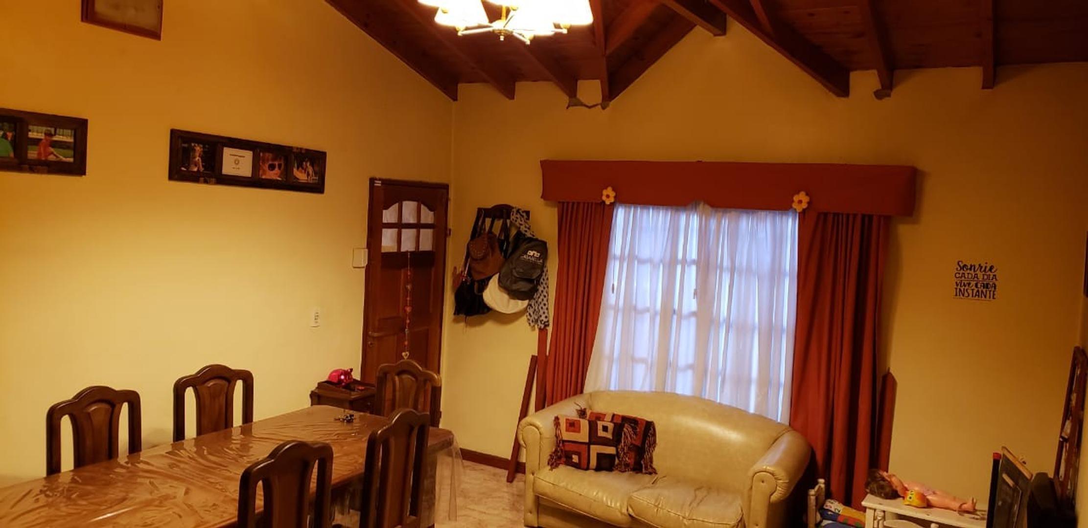 Casa - 70 m²   2 dormitorios   15 años
