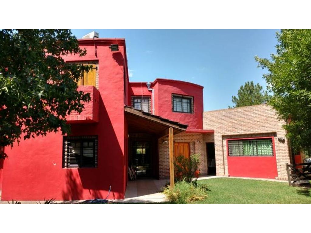 Casa en venta en Barrio Privado Altos de Del Viso.