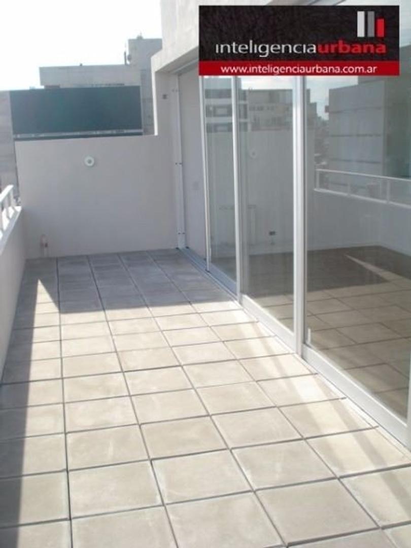 Excelente 3 ambientes a estrenar con COCHERA, patio y dos balcones