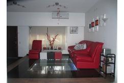 Casa 4 ambientes con parque y garage en venta en Paternal