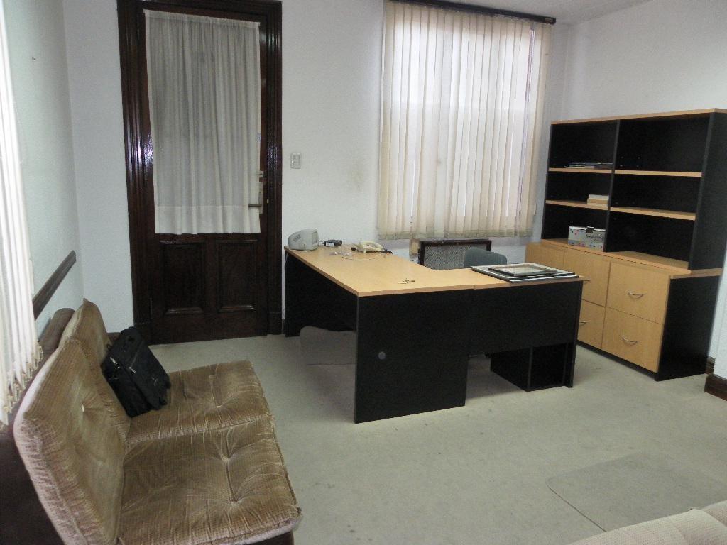 Oficina - 34 mts  Microcentro 1/2 cuadra bolsa de valores