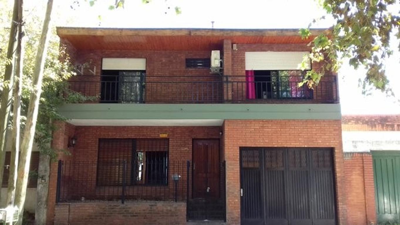 Casa apto crédito 6 ambientes Lote propio Inmejorable zona y accesos