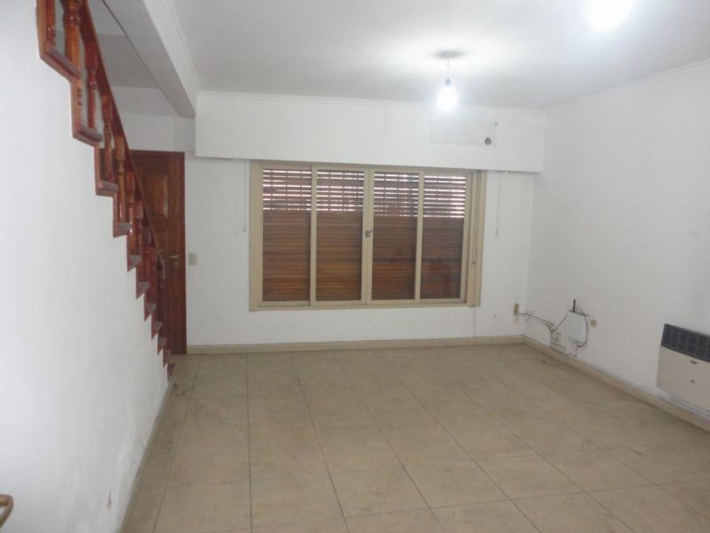 Fernandez de Oliveira 3400 - 4 ambientes con cochera