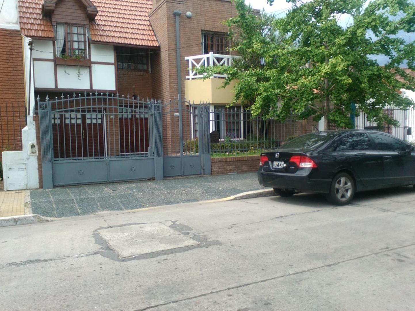 Casa en Venta en Quilmes - 5 ambientes