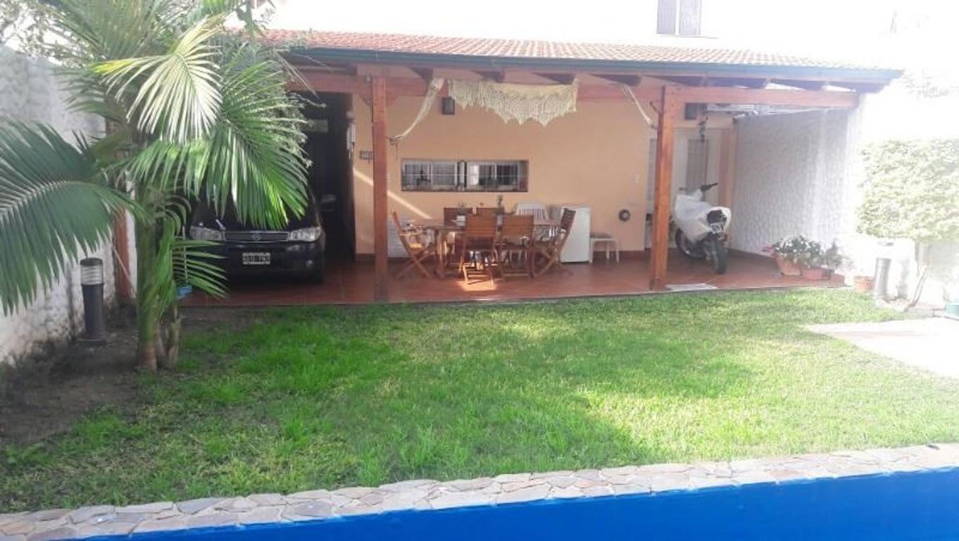 MAZA 4000. HERMOSA CASA EN LA FLORIDA, A 200MTS DEL RIO. JARDIN, PILETA.