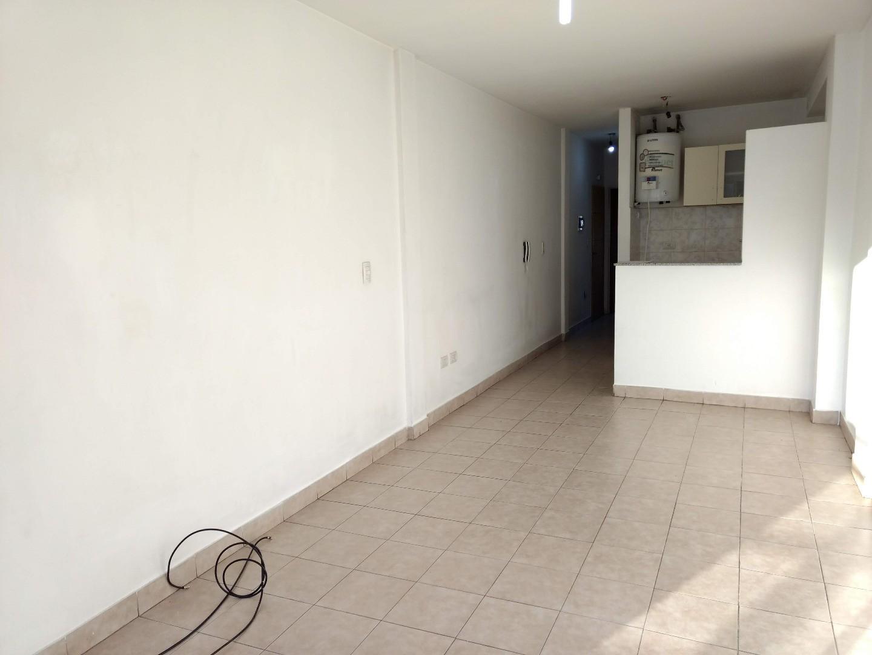 Departamento 2 ambientes centro de Lomas de Zamora oeste.