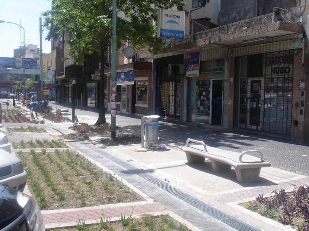 DUEÑO VENDE 3 LOCALES EN BLOCK SOBRE LOTE PROPIO EN FLORESTA (AV. OLIVERA CASI AV.RIVADAVIA)