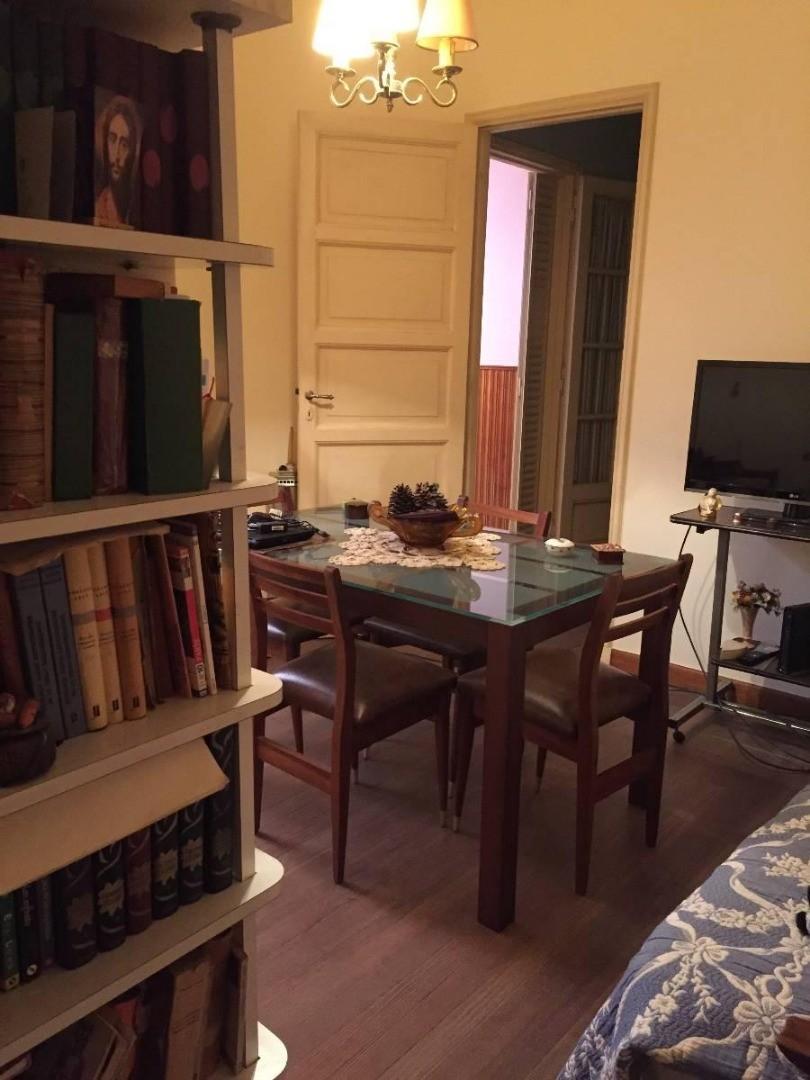 Casa Vintage en Lote Propio con Terraza y Patio.