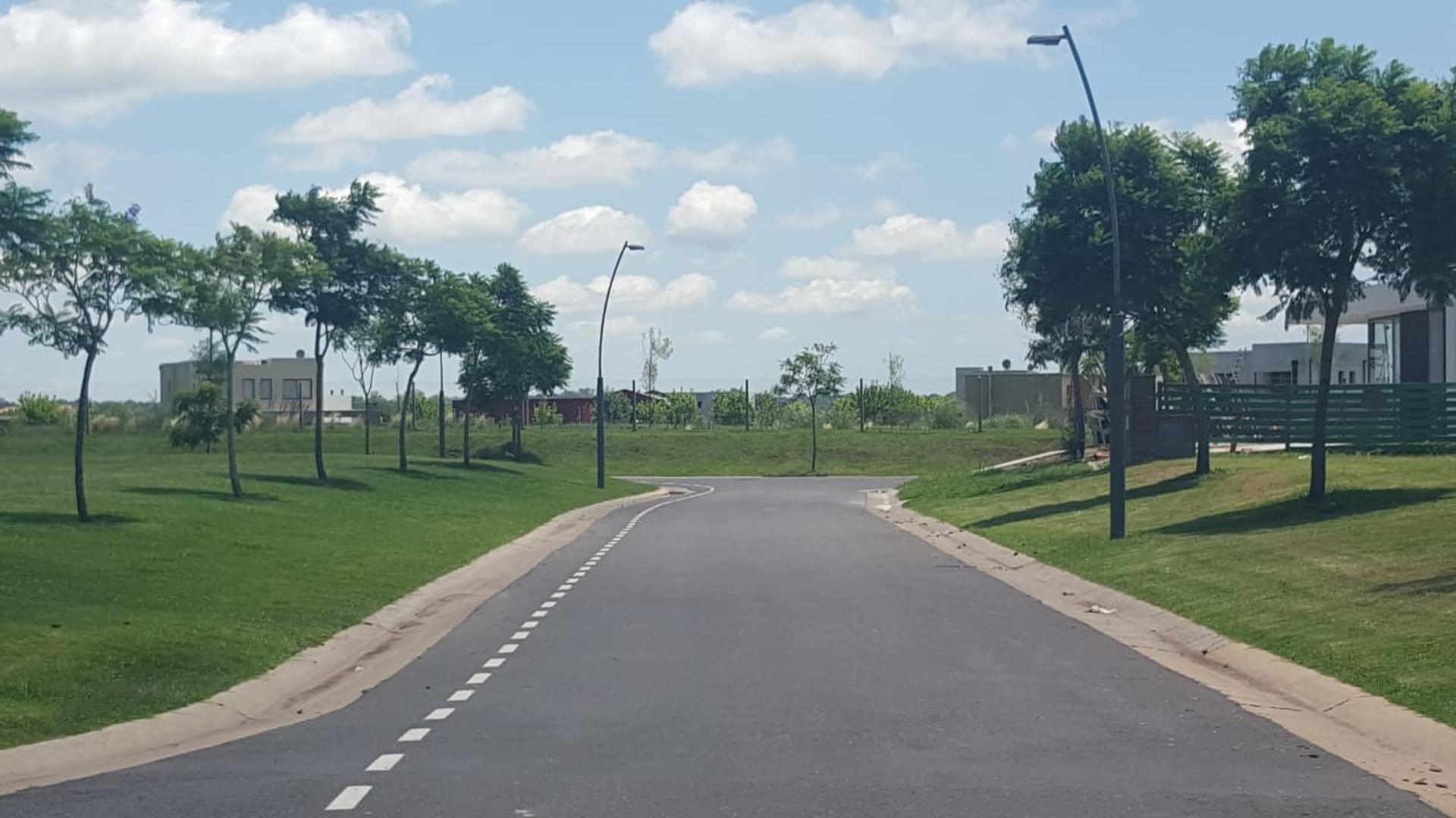 Puertos del lago, Barrio Vistas. 100
