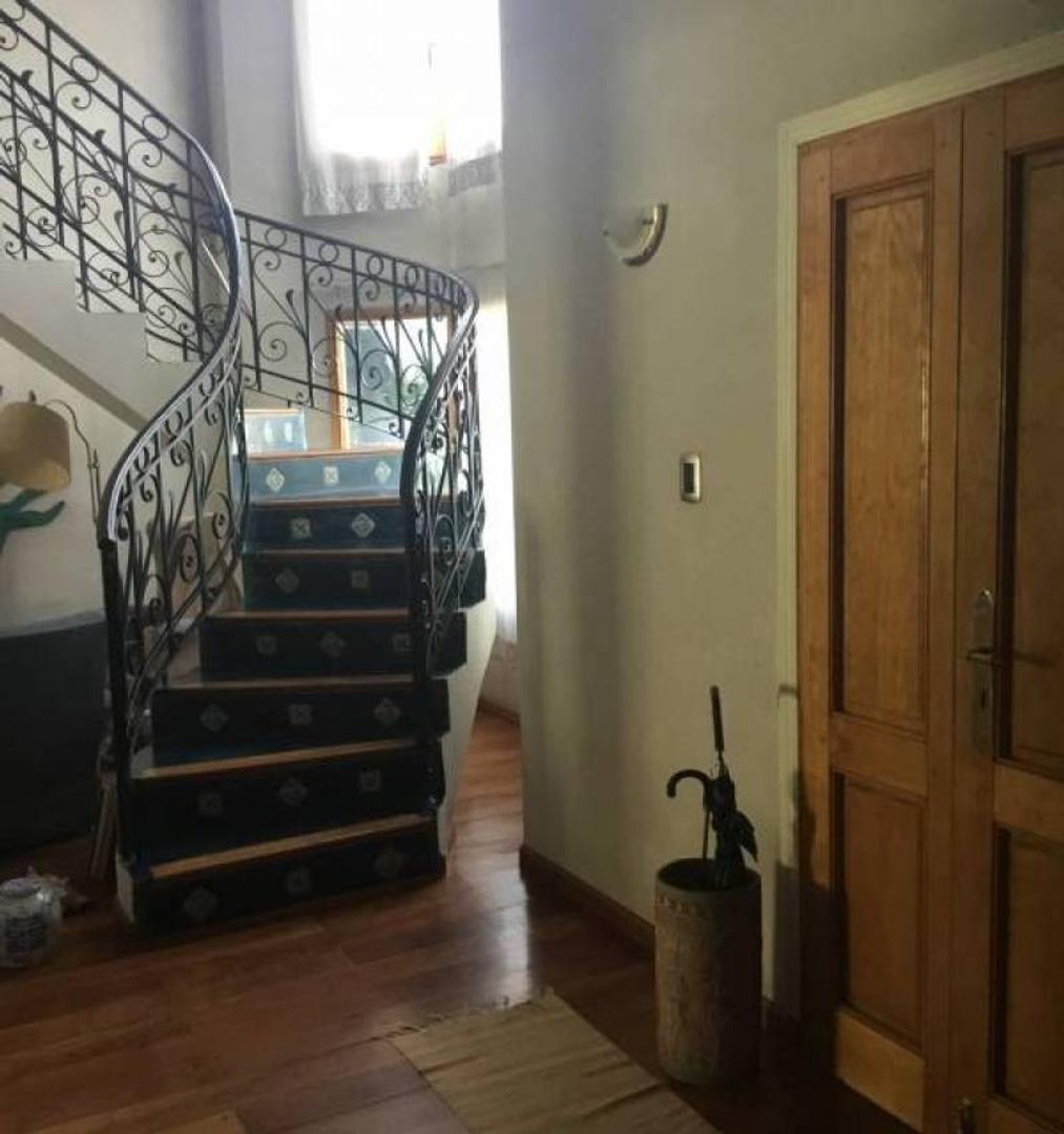 Casa - 266 m² | 4 dormitorios | 3 baños