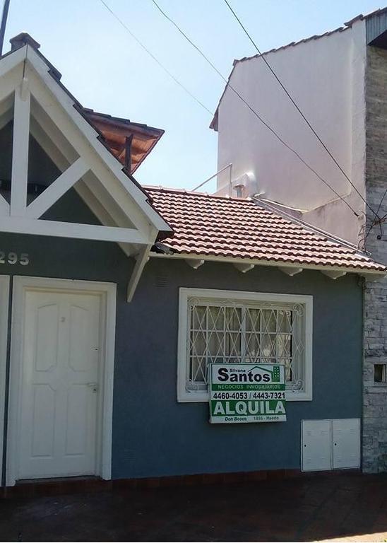 Duplex ramos mejia 2 amb patio terraza parrilla a 8 cuadras est lado sur bolivar y gobernador costa
