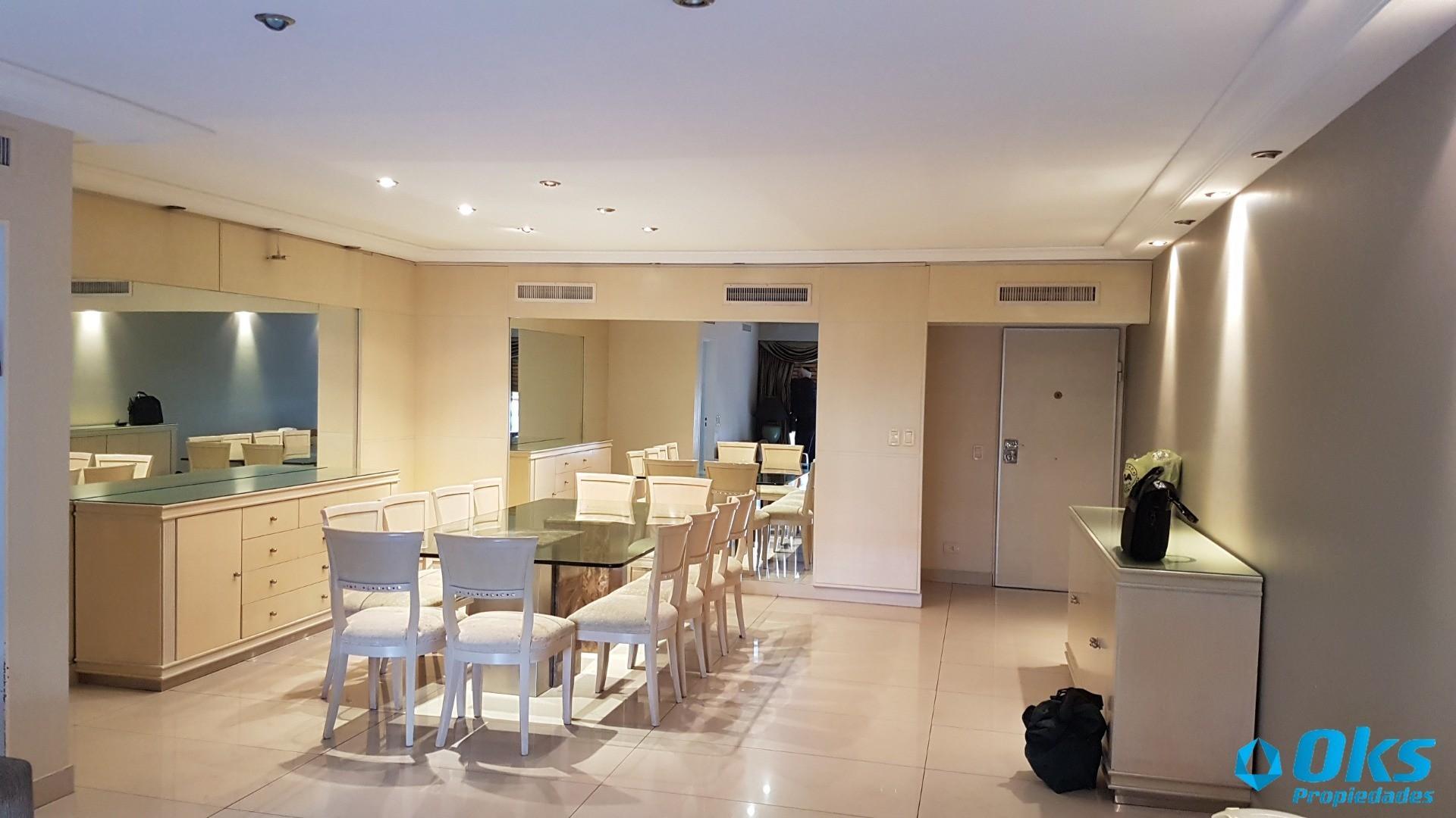 Hermoso Piso 4 ambientes - 210 m2 - con Dependencia, Cochera y Baulera