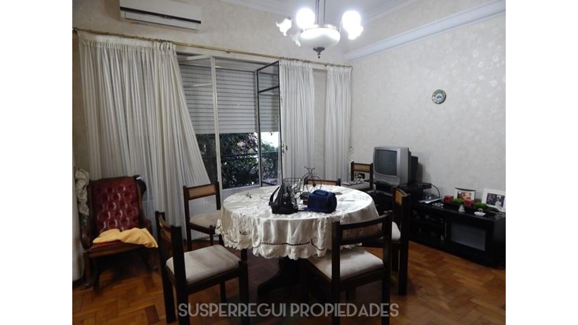 PH Tipo Casa de 3 Dormitorios Apto Banco en Calle 65 e/ 3 y 4 La Plata