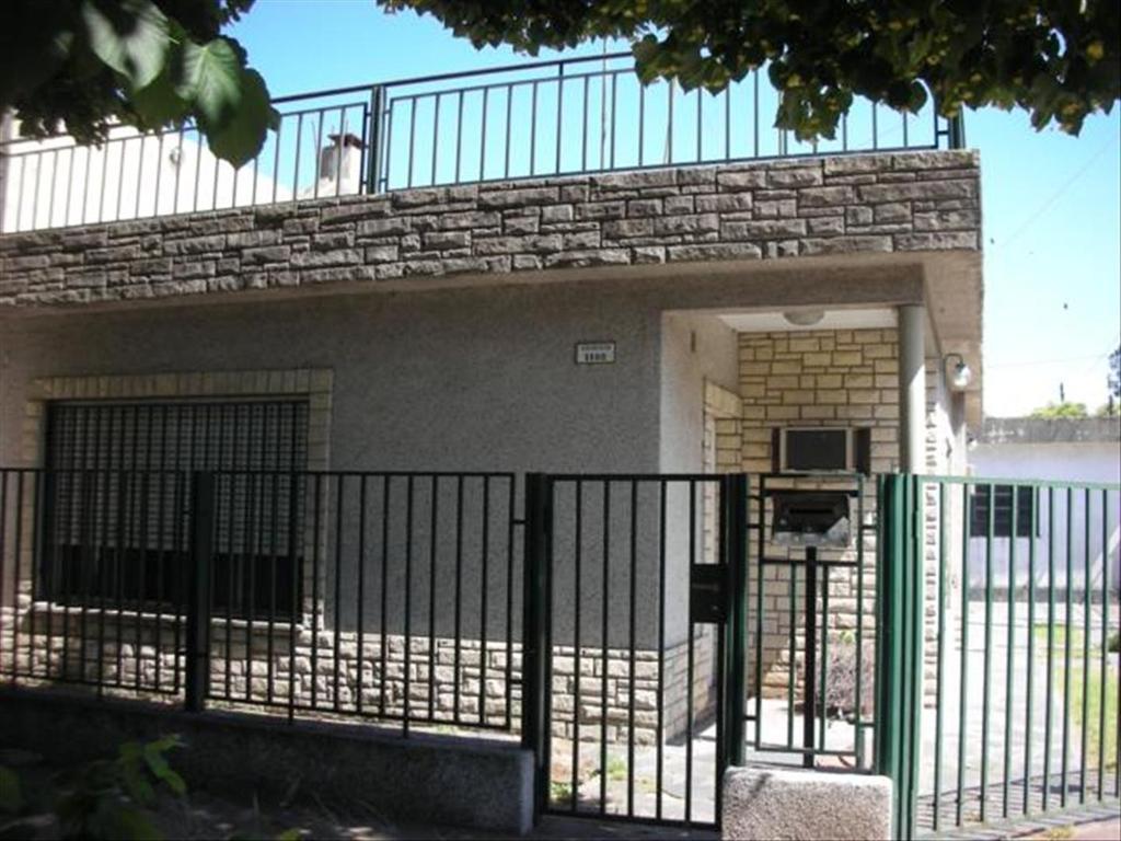 Casa en Alquiler de 3 ambientes en Buenos Aires, Pdo. de Tigre, Don Torcuato