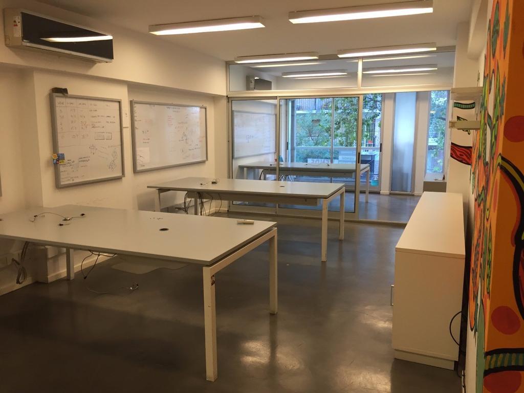 Oficina moderna MB Ubicacion y calidad.